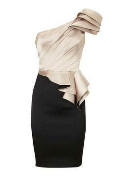 Inclined shoulder dress. Perfect for a holiday party