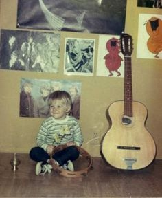 young kurt cobain. I love the drawings on his walls