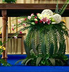 Contemporary Flower Arrangements, Tropical Flower Arrangements, Creative Flower Arrangements, Church Flower Arrangements, Beautiful Flower Arrangements, Unique Flowers, Beautiful Flowers, Altar Flowers, Church Flowers