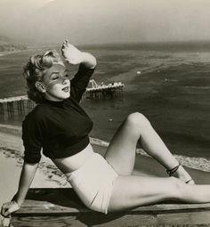 peopl, beauti captur, beaches, marilyn monroe, sam shaw
