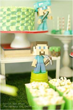 Minecraft Birthday Party Ideas www.spaceshipsandlaserbeams.com