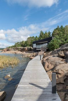 Located in Kustavi, Finland, this summer villa designed by Haroma & Partners shows some perfect adaption with the surrounding environment and its patterns. Haus Am See, Summer Cabins, Best Architects, House By The Sea, Villa Design, Waterfront Homes, Beautiful Buildings, Architecture, Landscape Design