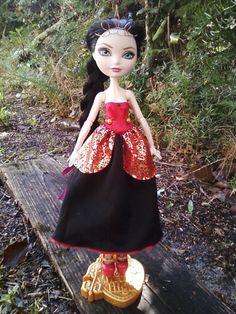 Поделки: Выкройка платья для куклы Эвер Афтер Хай