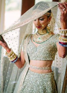 The latest collection of Bridal Lehenga designs online on Happyshappy! Find over 2000 Indian bridal lehengas and save your favourite once. Designer Bridal Lehenga, Bridal Dupatta, Indian Bridal Lehenga, Pakistani Bridal, Indian Bridal Outfits, Indian Dresses, Bridal Dresses, Eid Dresses, Lehenga Designs