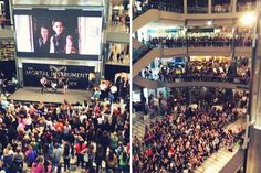 The first day of the TMI mall tour at Mall of America! Look at all those shadowhunters!