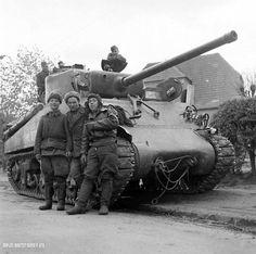 "The crew of the Soviet ""Sherman"".On Board the inscription ""Russian Prussian always beaten!""."