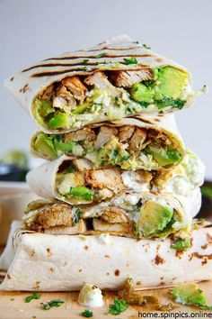 55 Healthy Wraps For Lunch That Are Easy To Make Chicken and Avocado Burritos Wraps Recipe (Gluten Free Option Available) Wrap Recipes, Easy Dinner Recipes, Gourmet Recipes, Breakfast Recipes, Healthy Recipes, Avocado Breakfast, Healthy Food, Dinner Ideas, Healthy Chicken