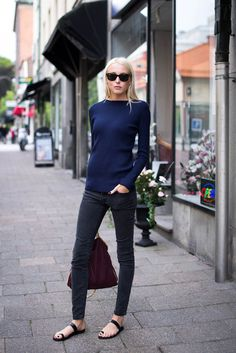 de1b723c27f Ellen Claesson in a Zara top  amp  w  a Stella McCartney Falabella bag