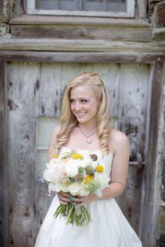 vintage-y hair | Stephanie Fay #wedding