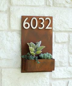 Model Sucker for Succulents Planter Welcome Home. This modern address plaque and wall planter adds flair and style to the facade of your home Succulent Hanging Planter, Vertical Wall Planters, Succulent Wall, Hanging Planters, Hanging Terrarium, Address Numbers, Address Plaque, Address Signs, House Address