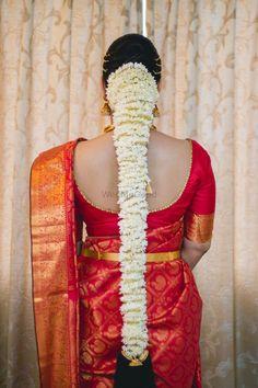 Photo By Makeup Artist Saviona - Bridal Makeup South Indian Wedding Hairstyles, Cute Wedding Hairstyles, Bridal Hairstyle Indian Wedding, South Indian Bride Hairstyle, Indian Bridal Fashion, Indian Hairstyles, Bride Hairstyles, Long Indian Hair, Traditional Hairstyle