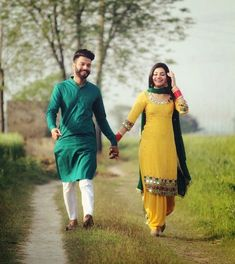 Attractive Groom Dresses for Pre Wedding Photoshoot: Swoon With Your Style - - Best groom dresses for pre wedding photoshoot that you can wear on the event. Some of the best dresses options for groom for pre wedding shoot. Punjabi Wedding Couple, Couple Wedding Dress, Indian Wedding Couple Photography, Couple Photography Poses, Punjabi Couple, Sikh Wedding, Photography 101, Photo Poses For Couples, Couple Photoshoot Poses