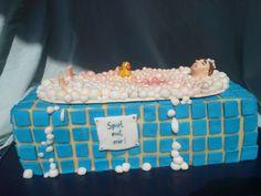 Traummann in der Badewanne  Topfen-Pfirsich-Torte  https://www.facebook.com/KunstInsel.ArtIsland