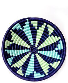 Un diseño muy sencillo para colorear. Admite diferentes variantes según el estado de ánimo del pintor.