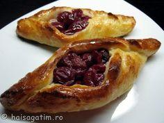 "Prajituri cu fructe ""la vedere"" French Toast, Pie, Breakfast, Desserts, Food, Torte, Morning Coffee, Tailgate Desserts, Cake"
