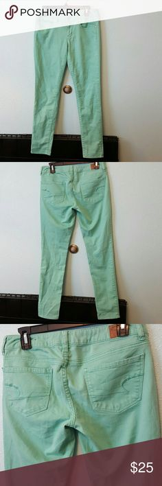American Eagle Mint Green Skinny Jeans NWOT NWOT Mint Green skinny jeans in great condition super cute! Size 6R American Eagle Outfitters Jeans Skinny