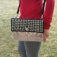Metallic beautiful crossbody bag Only worn twice. Very unquie and spacious. Bags Shoulder Bags