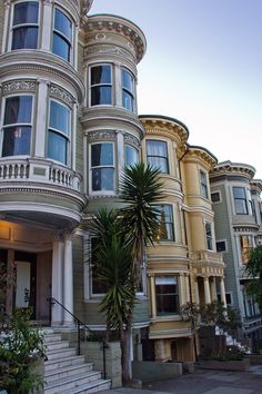 San Fancisco Architecture : San Francisco – almost doesn't look real… San Francisco Houses, Living In San Francisco, San Francisco City, San Francisco Travel, San Francisco California, California Dreamin', San Francisco Victorian Houses, San Francisco Apartment, Ville New York