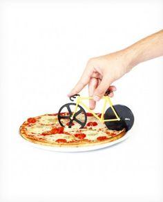 Cortador de pizza con forma de bicicleta de color amarillo y negro