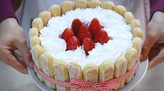 TORTA TIRAMISU' ALLE FRAGOLE RICETTA FACILE - Homemade Strawberry Tirami...