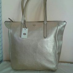 FOSSIL LEATHER TOTE SALE !! SALE !! SALE !! SALE ! Large Gold  Metallic Tote, genuine leather with double handles and zipper opening, four small inside pockets and one large zipper pocket Fossil Bags Totes