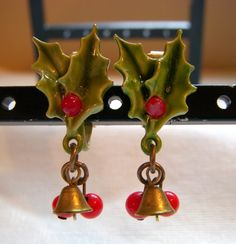 Signed ART Christmas Holly and Berry Earrings by junquegrl on Etsy, $9.00