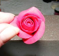 Excellent rose-making tutorial