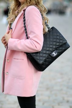 LOVE that coat!  C l a s s y in the city