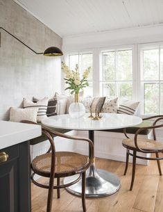 Why You Should Be Charging for Design Consultations - The Identité Collective - - Learn why you should always charge for design consultations as an interior designer including weeding out window shoppers and establishing expertise. Dining Nook, Dining Room Design, Kitchen Design, Tiny Dining Rooms, Small Dining, Decoration Inspiration, Dining Room Inspiration, Sunday Inspiration, Interior Inspiration