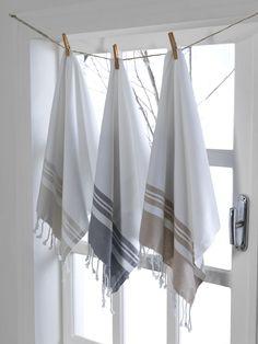Turkish Peştemal Towel Turkish Bath Towels, Turkish Cotton Towels, Hand Towel Sets, Hand Towels, Bathroom Towel Decor, Small Bathroom, Master Bathroom, Bathroom Ideas, Home Textile