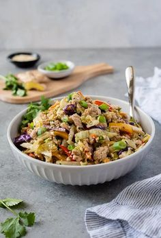 Egg Roll in a Bowl is a healthy, low carb egg roll in a bowl recipe that's high protein, loaded with veggies, and on the table in 30 minutes! #ketorecipes #easyrecipes #lowcarb #dinnerrecipes Ground Turkey Dinners, Ground Turkey Recipes, Corn Beef And Cabbage, Cabbage Recipes, Low Carb Dinner Recipes, Good Healthy Recipes, Keto Recipes, Paleo Turkey Meatloaf, Vegetarian Egg Rolls