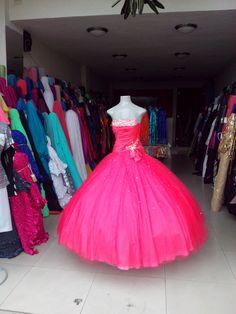 Vestido para XV años, remate de exhibición solo $4k mxn