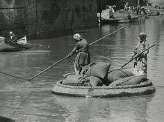 Gaeffa/Guffa: round row- boat, diameter 2 till 4 mtrs, plastered with clay and oil. Iraq, [Mesopotamia], 1937.