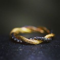 Gold Rings, White Gold & Engagement Rings | LoveGold.com