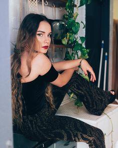 Gold Tiger Sparkly Flares  Check out the latest blog post on www.flarestreet.com  @becky_fuchs @steephwhitee  #flares #bellbottoms #festivalfashion #festival #rave #fashion #design #glam #boho #hippie #gypsy #style #retro #vintage #babe #love #photooftheday #amazing #smile #look #instalike #picoftheday #instadaily #girl #instagood #bestoftheday #instacool #instago #colorful #style