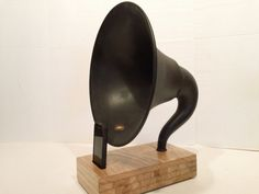 Acoustic  iPhone Speaker Dock Utilizing a Vintage Antique Atwater Kent Gramophone Phonograph Horn