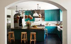Key Design Takeaways from Celebrity Kitchens Architectural Digest, Teal Kitchen, Kitchen Colors, Casa Kendall Jenner, Kendall Jenner Bedroom, Küchen Design, House Design, Design Ideas, Celebrity Kitchens