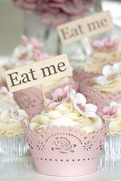 Alice In Wonderland | eat me cupcakes