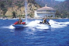 We need jet skis stat! Parasailing, Jet Ski, Yamaha, Skiing, Transportation, Waves, Boat, Island, Fun
