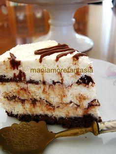 Cheesecake al cocco variegata alla nutella