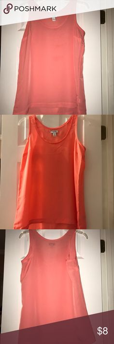 Coral/peach colored tank Old Navy peach colored Polyester tank. Great Condition Old Navy Tops Tank Tops
