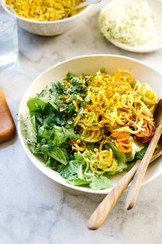 Wholehearted Eats | HEIRLOOM CARROT SALAD WITH TURMERIC DUKKAH | http://www.wholeheartedeats.com