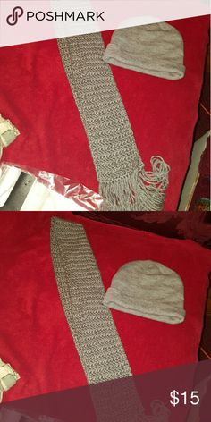 Grey set scarf and hat New nice hat fits all scarf long flare on bottom Other