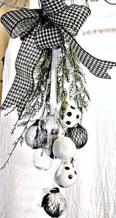 christmas black and white ornament swag, christmas decorations, crafts, seasonal holiday decor
