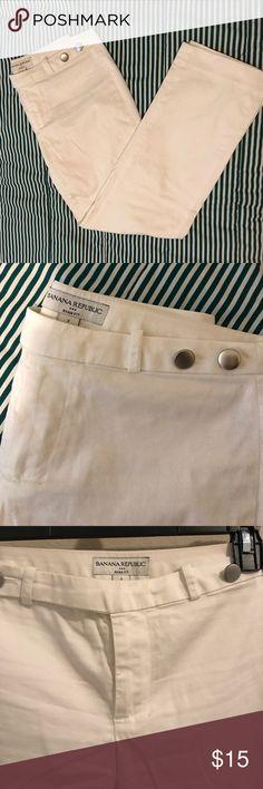 Banana Republic White pants Ryan Fit Size 2 White pants. Ryan Fit Petite Size 2 Banana Republic Pants Trousers
