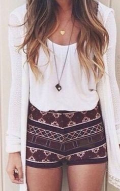 Hot Fashion Trends for Summer ╰☆╮Boho chic bohemian boho style hippy hippie chic bohème vibe gypsy fashion indie folk the . ╰☆╮╰☆╮Boho chic bohemian boho style hippy hippie chic bohème vibe gypsy fashion indie folk the . Komplette Outfits, Hipster Outfits, Short Outfits, Hipster Chic, Fall Outfits, Stylish Outfits, Simple Outfits, Denim Outfits, Shorts Outfits For Teens