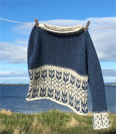 ENGI Fair Isle Knitting Patterns, Knitting Stitches, Knit Patterns, Free Knitting, Icelandic Sweaters, Sweater Refashion, Romantic Outfit, Mode Outfits, Knitwear