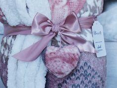 Blankets, Shabby, Ribbon, Tape, Treadmills, Blanket, Rug, Cover, Comforters