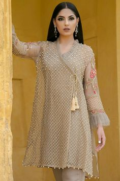 Stitching Styles Of Pakistani Dresses Grey Angrakha Style - Stitching Styles Of Pakistani Dresses Grey Angrakha Style Shadi Dresses, Pakistani Formal Dresses, Pakistani Wedding Outfits, Pakistani Dress Design, Indian Dresses, Indian Outfits, Pakistani Fashion Casual, Indian Fashion, Frock Fashion