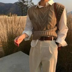 korean fashion fall winter neutral outfit cream trousers white button up shirt beige cable knit sweater vest Adrette Outfits, Retro Outfits, Cute Casual Outfits, Vintage Outfits, Fashion Outfits, Fall Outfits, Fashion Ideas, Fashion Shoes, Fashion Jewelry